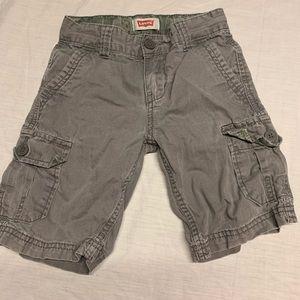 Size 5 Levi's cargo shorts